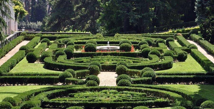 Vatican Tour - gardens