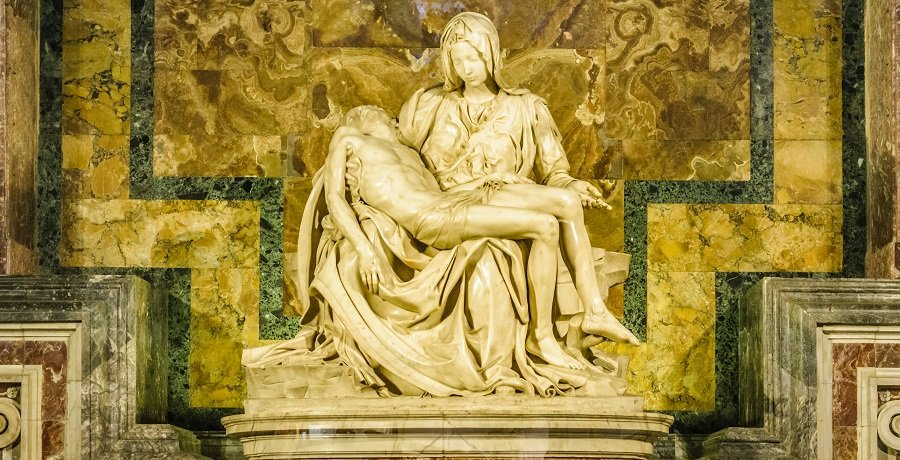 pieta by michelangelos