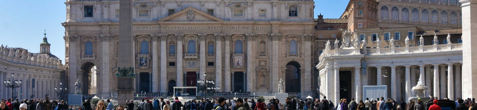 Can you live in the Vatican City?